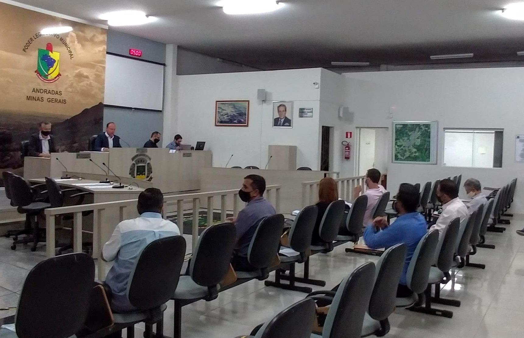 Em primeira reunião do ano, vereadores aprovam dois projetos por unanimidade